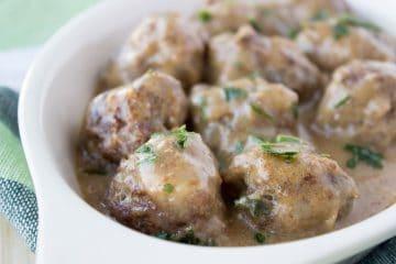 Beef Meatballs in Gravy Sauce | www.natalieshealth.com