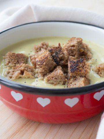 Roasted Garlic Cauliflower Soup | www.natalieshealth.com