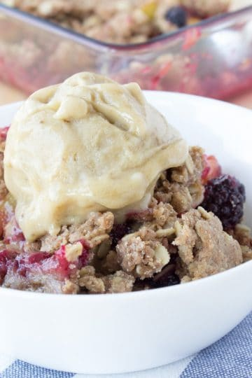 Easy fresh peach blackberry crisp made with all healthy ingredients, seasoned with warm and fragrant spices - cinnamon and nutmeg, sweetened with honey. This crisp is packed with nutrients and easily-digestible healthy fibers and so it's perfect breakfast or afternoon dessert/snack. CLICK to read more or PIN for later!