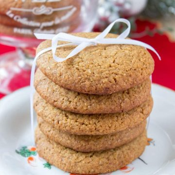 Delicious Honey Cinnamon Cookies with whole grain flour and refined sugar-free.