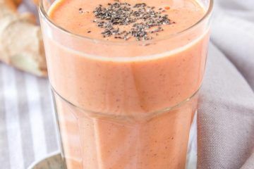 Immune-boosting Grapefruit Ginger Smoothie great for weight loss and detox.