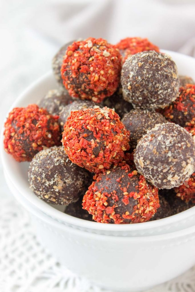 Turmeric Maca Powder Cacao Energy Balls Vegan Glute-Free Refined Sugar-Free Low-Calorie Snack