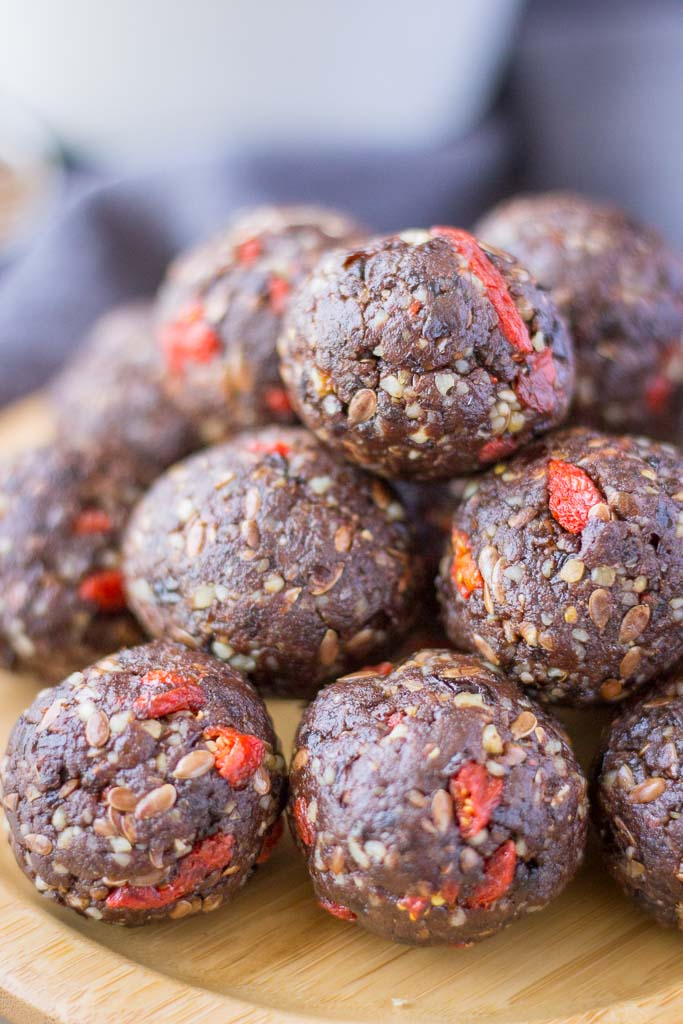 Vegan energy balls recipe with prune walnuts and chocolate