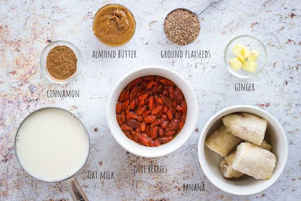 Goji Berry Smoothie ingredients